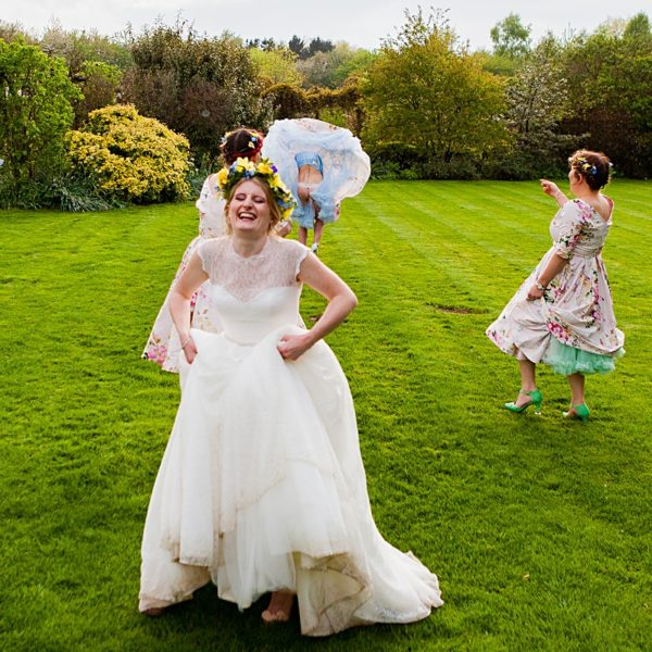 THE GARDENS YALDING, MAIDSTONE WEDDING PHOTOGRAPHER – HELENA AND NEIL